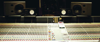 Neve VR72 mixing console